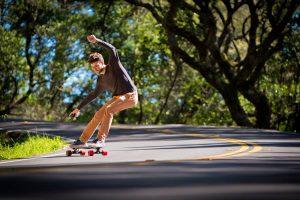 migliori-skateboard-elettrici-economici